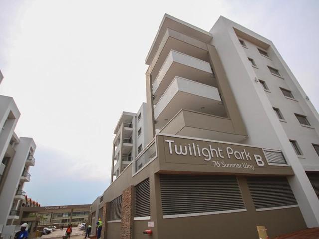 Umhlanga, Umhlanga Ridge Property    Houses For Sale Umhlanga Ridge, Umhlanga Ridge, Apartment 3 bedrooms property for sale Price:2,495,000