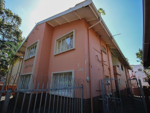 Property and Houses for sale in Morningside, House - ZAR 3,450,000